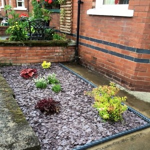 Plum slate with rope edgings