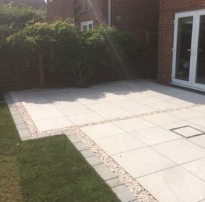 Vitripiazza with Yorkstone setts